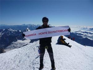Au sommet du Mont Blanc pour dénoncer l'inscription au Patrimoine