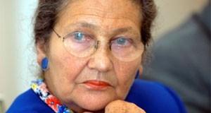 Simone Veil signe le manifeste de la FLAC pour l'abolition de la corrida